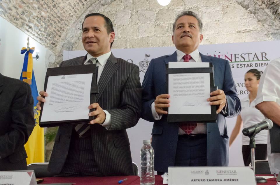 FIRMAN ACUERDO PARA BENEFICIAR A LOS CHOFERES DEL TRANSPORTE PÚBLICO