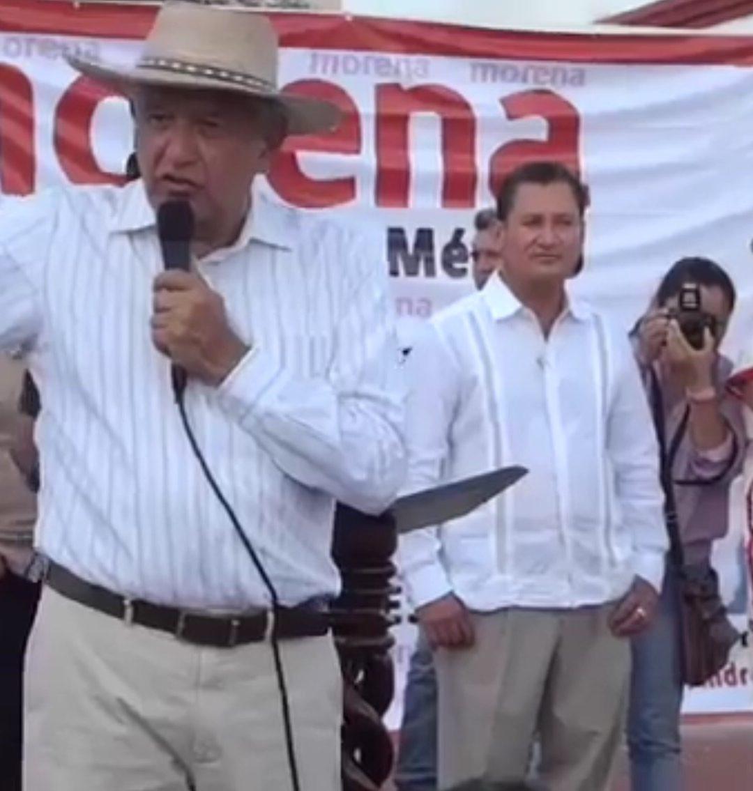 VIDEO: Envían provocadores a mitin de AMLO en Huatulco