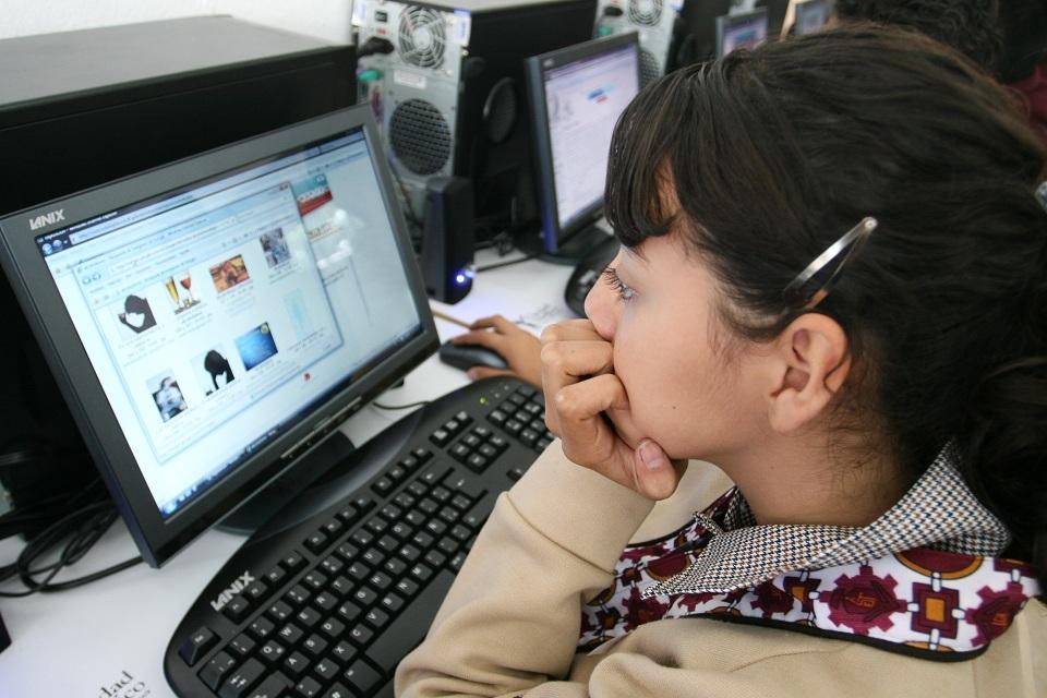 PLANTEAN DEMOCRATIZAR EL USO DE INTERNET EN MÉXICO
