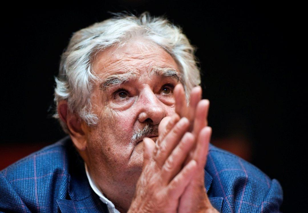 MUJICA A CORREA: NO HAY DECISIÓN POLÍTICA QUE PUEDA CON EL'DIOS MERCADO