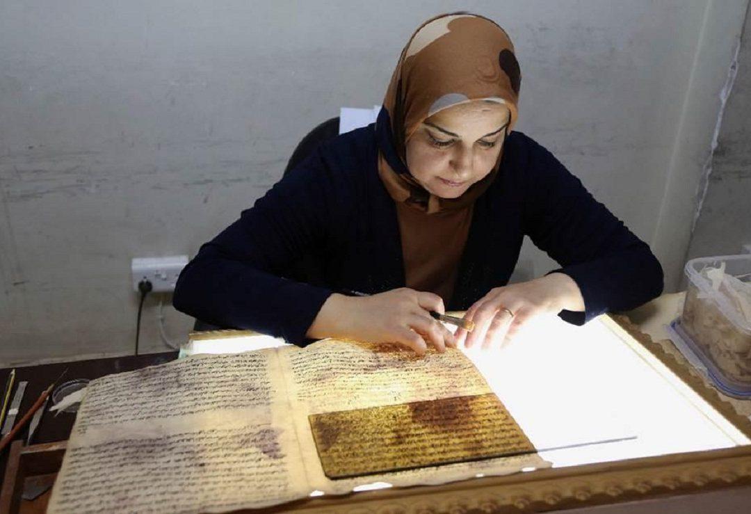 IRAQ DIGITALIZA MANUSCRITOS ANTIGUOS PARA SALVAR SU HISTORIA