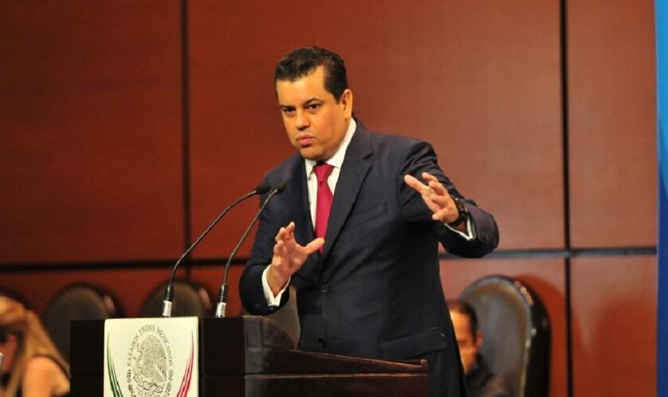 YA NO SON TIEMPOS DE USAR MAYORÍAS UNILATERALES: EDGAR ROMO