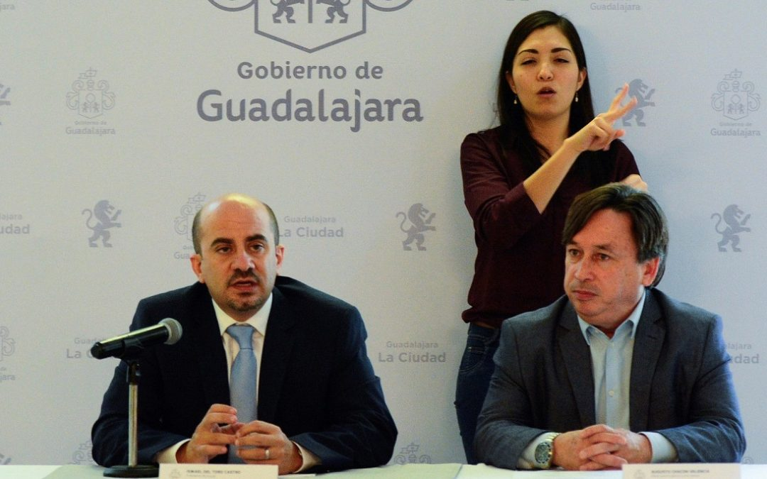 PRESENTA ISMAEL DEL TORO A NUEVOS FUNCIONARIOS DE SU GABINETE