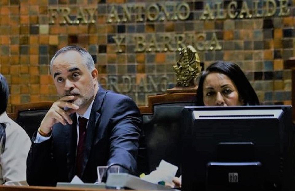 APARADOR POLÍTICO: LA INTENTONA DE MC DE HACERSE DEL PODER EN CONGRESO