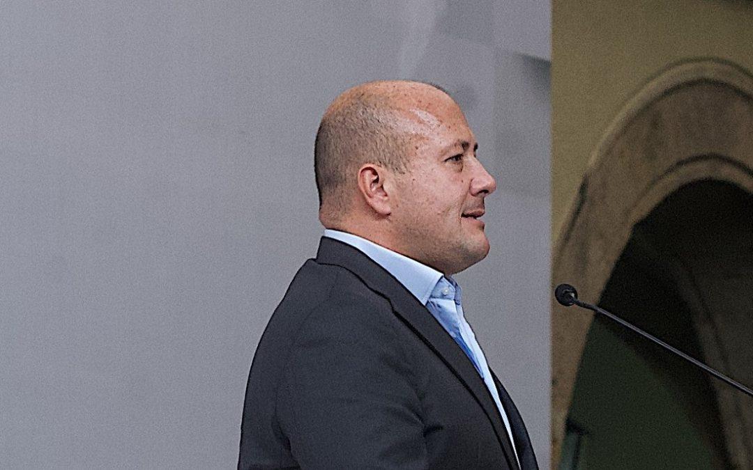 PARA REFUNDACIÓN ALFARO BUSCA REFORMA PARA LLAMAR A CONSTITUYENTE