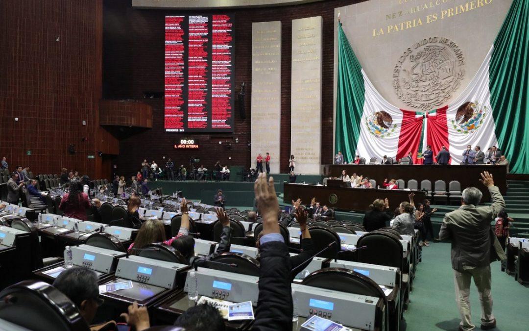 DAN DECLARATORIA DE CONSTITUCIONALIDAD A REVOCACIÓN DE MANDATO