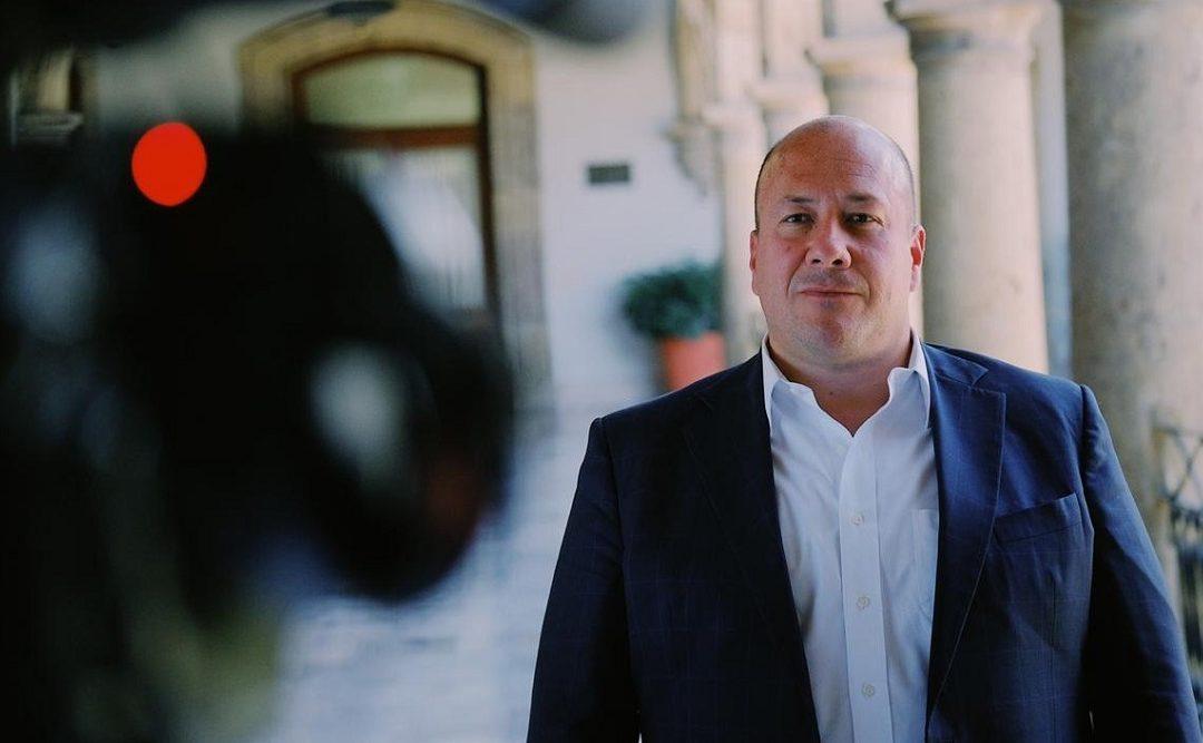 APARADOR POLÍTICO: ALFARO LAMPEDUSIANO, HIPOTECA FUTURO DE JALISCO