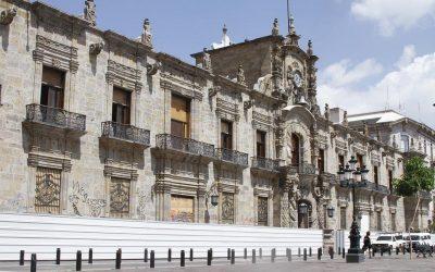 INICIA RESTAURACIÓN DE PALACIO DE GOBIERNO TRAS DISTURBIOS POR CASO GIOVANNI