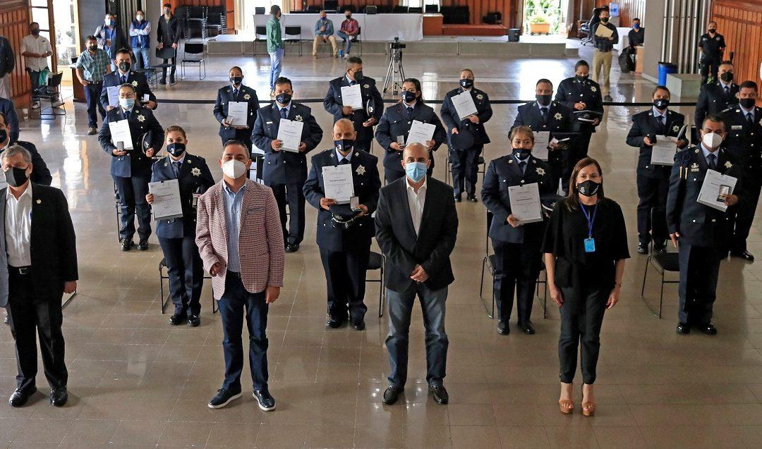 GDL ENTREGA ASCENSOS A POLICÍAS DE GUADALAJARA