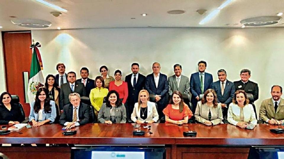 APARADOR POLÍTICO: SANTIAGO ABASCAL, EL DE VOX, CIMBRA AL PANISMO